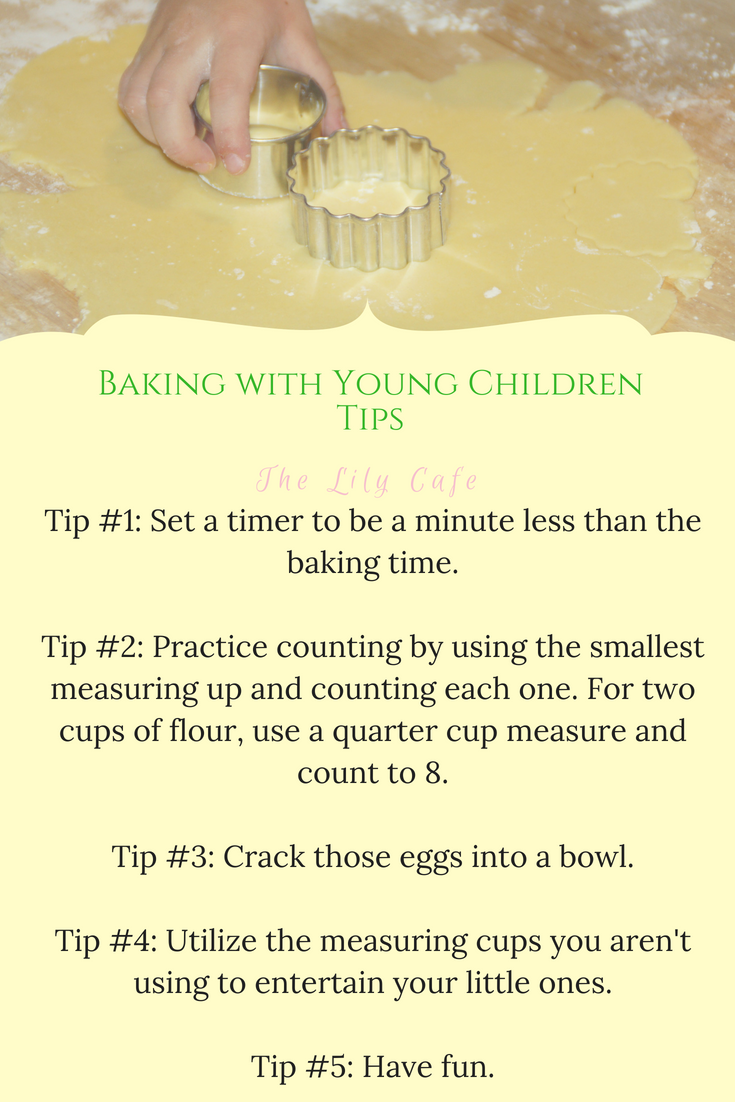 Simple tips to help making baking with toddlers fun and more managable